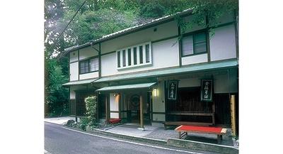 貴船神社の鳥居からすぐで行きやすい/鳥居茶屋
