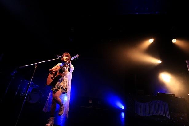 夏を連れてきた爽やかな視聴覚世界! みみめめMIMI「微炭酸ファンファーレ」東京公演レポート