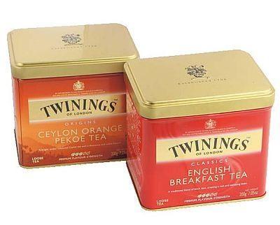 トワイニングの紅茶(200g)も525円。香り高い3種類がそろう。各種限定30缶(B1/菓子特設売場)
