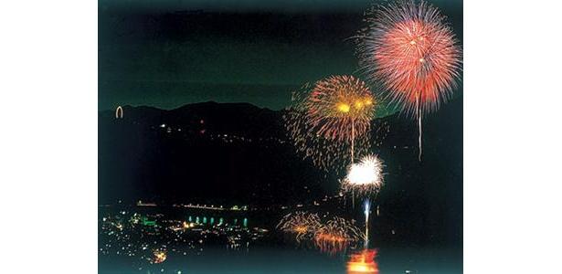 花火の日はタダになるのが「さがみ湖リゾート・プレジャーフォレスト」。8/1(土)、さがみ湖上祭花火大会の夜は、17:00〜21:00まで、特別オープン&入園無料となる