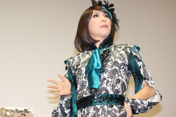 ブルボンヌは余興である女装版『Wの悲劇』も披露