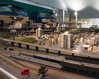 京都・嵯峨野から丹波亀岡まで、保津川渓谷沿いの7.3kmを結ぶトロッコ列車
