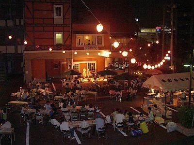 「シュトゥーベン・オータマ」は、8/8(土)・9(日)に駐車場で七夕ビアガーデン&ライブを開催(16:00〜20:45、LO)する