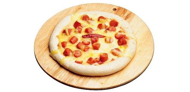 「WLF CAFE」の消防署通りピザ(¥680)はチョリソー&ハラペーニョ