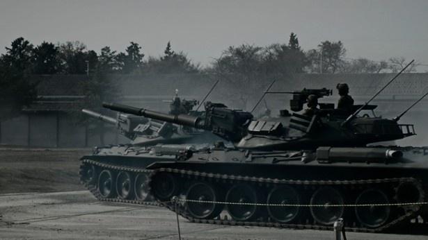 自衛隊OBなどの監修により、リアルな再現度を追求した『アトラクション4D 戦車ライド』