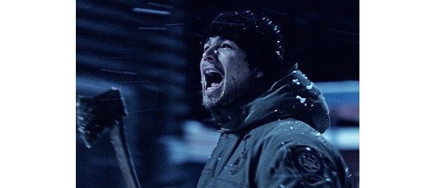 ジョシュ・ハートネット扮する保安官がヴァンパイアに立ち向かう!
