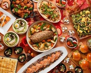 スーパーフードとカナディアンフードをテーマに、さまざまな料理が登場