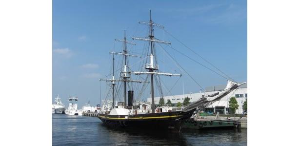 新港ふ頭に停泊中の黒船