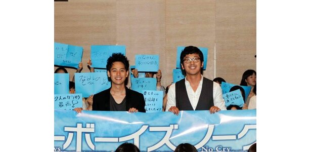 日韓のファンの集結に、ブッキーもご満悦の様子