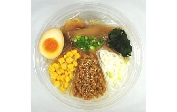 「冷やし味噌ラーメン」は北海道産味噌のコクのあるスープが魅力!(395円・北海道、関西以外の店舗で販売)