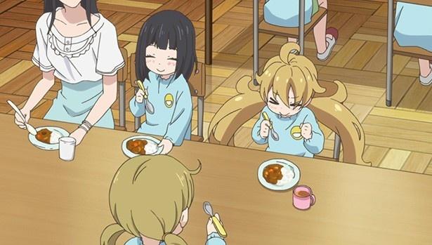 """「甘々と稲妻」第9話先行カットが到着。犬塚家に伝わる""""おうちカレー""""とは"""