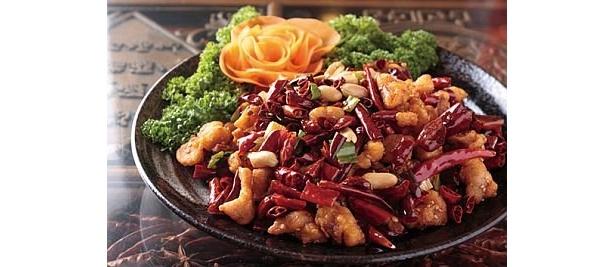 【辛いモノ好き必見のメニュー集】杜記別館の「鶏肉と唐辛子揚げ炒め」