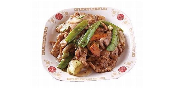 福楼の「豚肉のブラックペッパー炒め」(¥1580)。シャープなコショウの辛さが夏にピッタリ