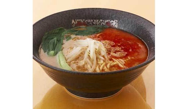 """「龍の家」では東京家政大学の長谷亜紀さんと開発した""""米・味噌ラーメン""""(800円)が登場。麺に米粉を使用している"""