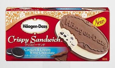 「ハーゲンダッツ アイスクリーム クリスピーサンド『クッキー&クリーム ホワイトチョコレート』」は初のココア味のウエハース!(305円)