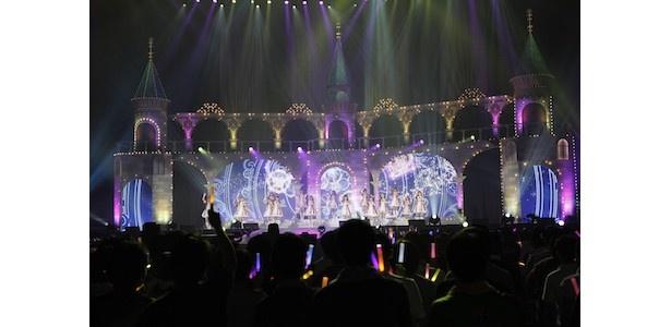 光り輝くステージで夜露士苦の挨拶!「アイドルマスター シンデレラガールズ」4thライブ神戸公演初日レポート