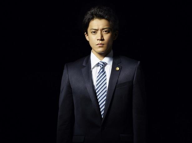 Huluオリジナル連続ドラマ「代償」で主演を務める小栗旬
