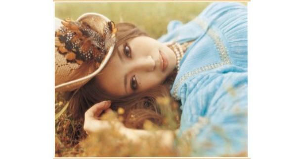 YU-Aは「the Love Bug」をカヴァー