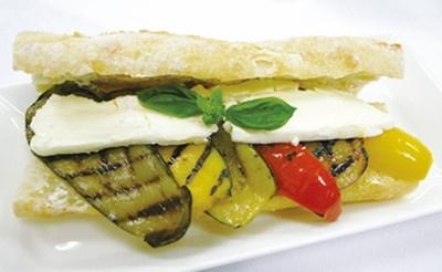 もちもちのパンと、野菜のハーモニーがたまりません!