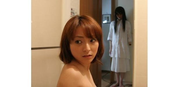 恐ろしげな女幽霊が出現