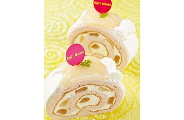 Roll Madu「ピーチヨーグルト」は、ほんのりピンク色の生地がかわいい!