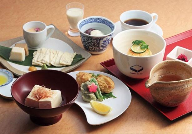 生湯葉や生麩など京都らしい食材を使った「お昼ごはん」(1900円)/京とうふ藤野本店 (TOFU CAFE FUJINO)