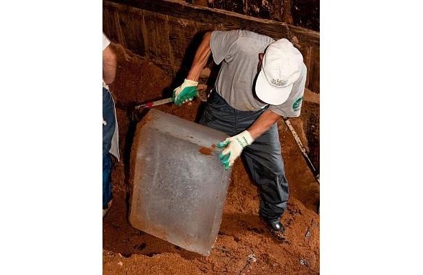 【4】氷室から氷を取り出して出荷の準備