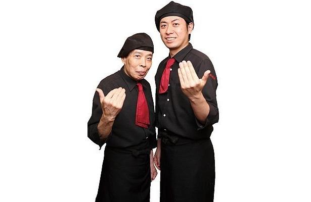 麒麟園のご主人宮路さん(左)と2代目の亮さん。「辛いだけはつまらないので旨味を残すように工夫してます!」とのこと。激辛麻婆豆腐(¥900)もオススメ