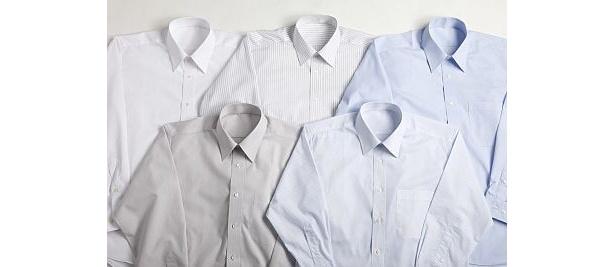 「ベストプライス by トップバリュ 長袖レギュラードレスシャツ」は3色展開の無地タイプと、2柄あるストライプ柄タイプを展開。880円に見えない!