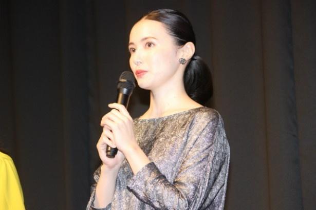 長女・宮沢紫役のミムラ