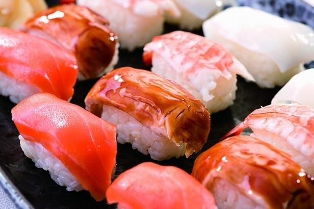 「リラッサ寿司・かみこみ豚の豚丼寿司(ディナー限定)」