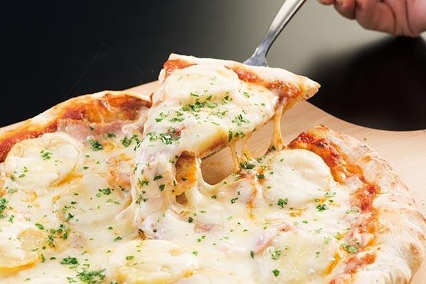 「十勝野フロマージュのラクレット、 とかちマッシュのピザ(ディナー限定)」