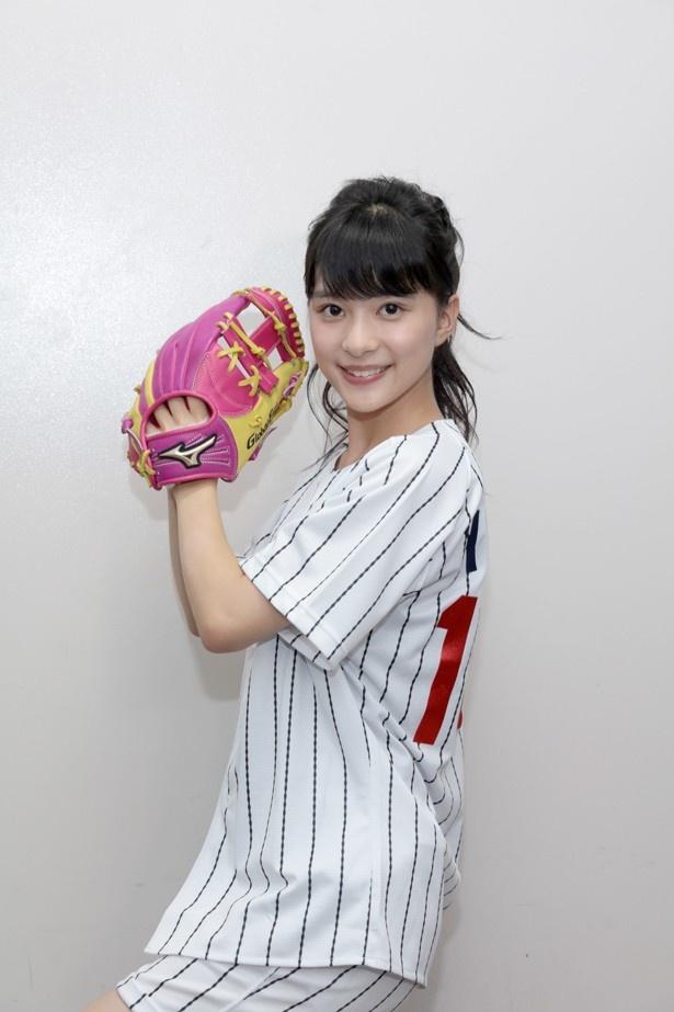 始球式を終えてすぐは、自己採点は65点だと悔しい表情をみせていた芳根京子