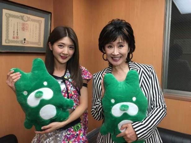 アプガのレギュラー番組第2回では、森ティー(森咲樹)が小林幸子に衣装を借りにいく