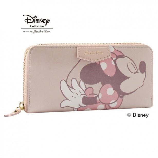 【写真を見る】長財布とiPhoneケースは、ピンクとブラックの2色展開。ピンクの「ロングウォレット」は、大人っぽい上品な色合い