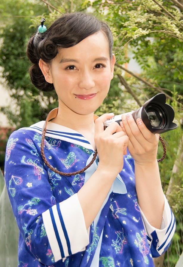 篠原ともえがカメラと旅の楽しさを紹介