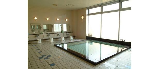 「足柄SA(上)」のホテル「レストイン足柄」には温泉も完備