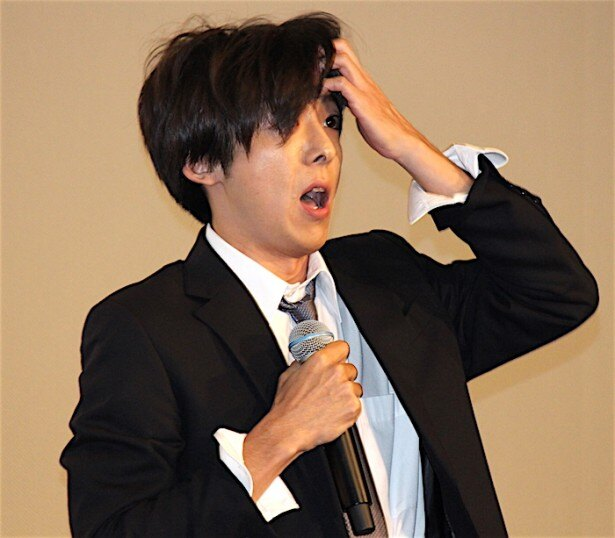 【写真を見る】高橋一生、人気キャラ・安田になりきって登場!会場も大盛り上がり