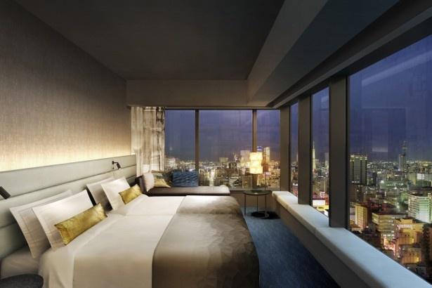 「三井ガーデンホテル名古屋プレミア」の客室から名古屋の街並みを一望できる