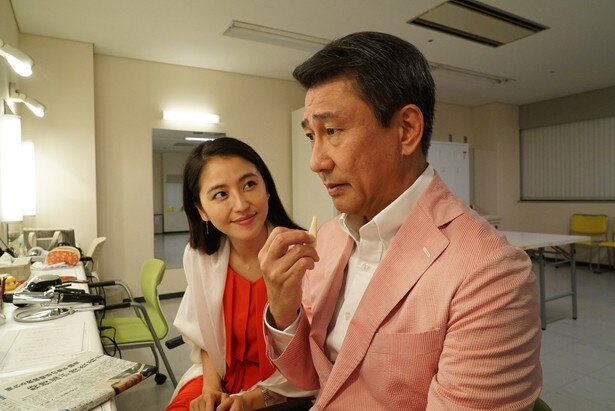 思い込みの激しい小川圭子は、勝手に上司と不倫していると勘違い