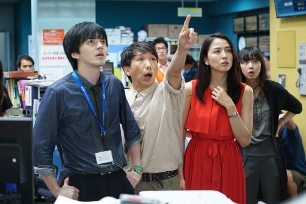 長澤はアナウンサー用の発声練習をして撮影に挑んだ