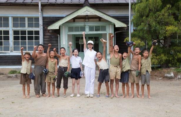 駒子(武井)は子供たちと野球をすることに