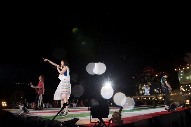 いきものがかりがデビュー10周年を記念し、地元・神奈川の海老名&厚木で10万人を動員した野外ライブをWOWOWで放送!