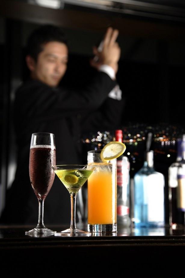【写真を見る】幕張でお酒を飲むなら!ホテルフランクスのカジュアルな隠れ家バー、タートルクラブ
