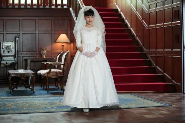 芳根京子が人生初のウエディングドレス姿を披露!