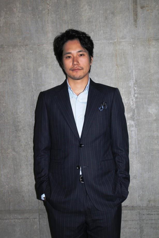 「WOWOWだからこそ描けるドラマの世界観を楽しんでもらいたい」と語った松山