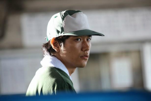 千葉に現れる前歴不詳の男・田代哲也役(松山ケンイチ)
