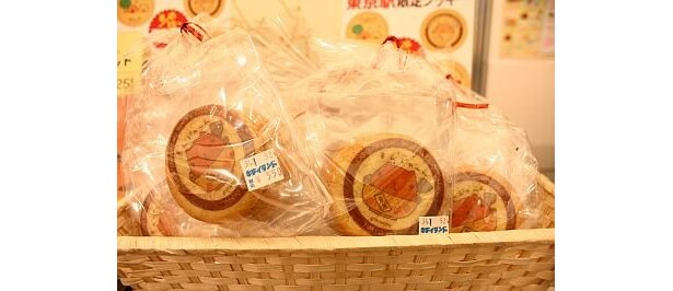 【行列のお目当てはこのグッズ】東京駅限定クッキー(¥550)