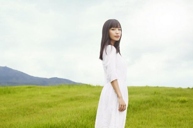 新曲「結 -ゆい-」のアートワークを公開したmiwa