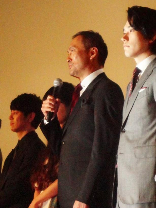 【写真を見る】監督との撮影エピソードを語る渡辺謙